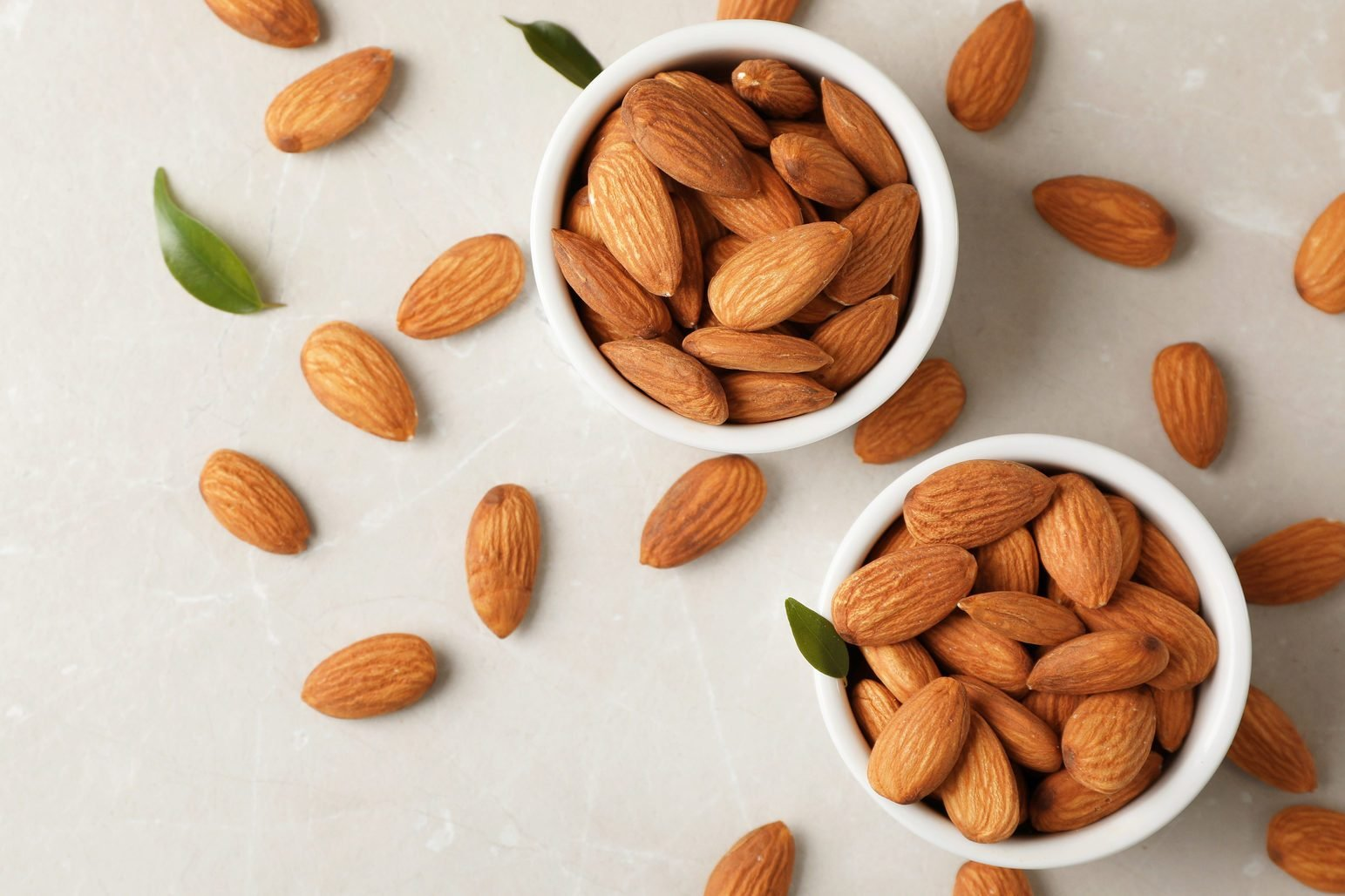 What are the disadvantages of eating almonds?